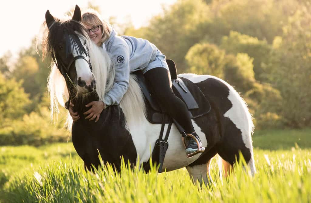 Talking to your horse can help to reduce his anxiety